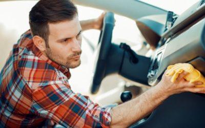 Hogyan óvjuk meg autónk tisztaságát? Miben segít a magas peremű gumiszőnyeg?